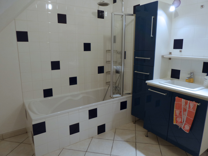 salle de bain rennes nos r alisations d couvrez nos salles. Black Bedroom Furniture Sets. Home Design Ideas